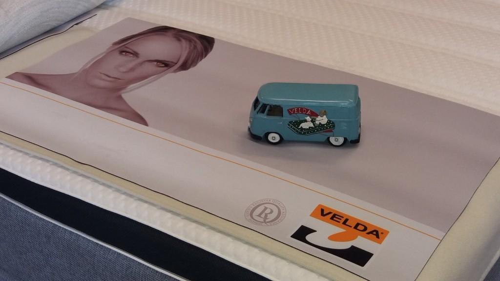 Maskot: Auto Velda s kterým firma začínala