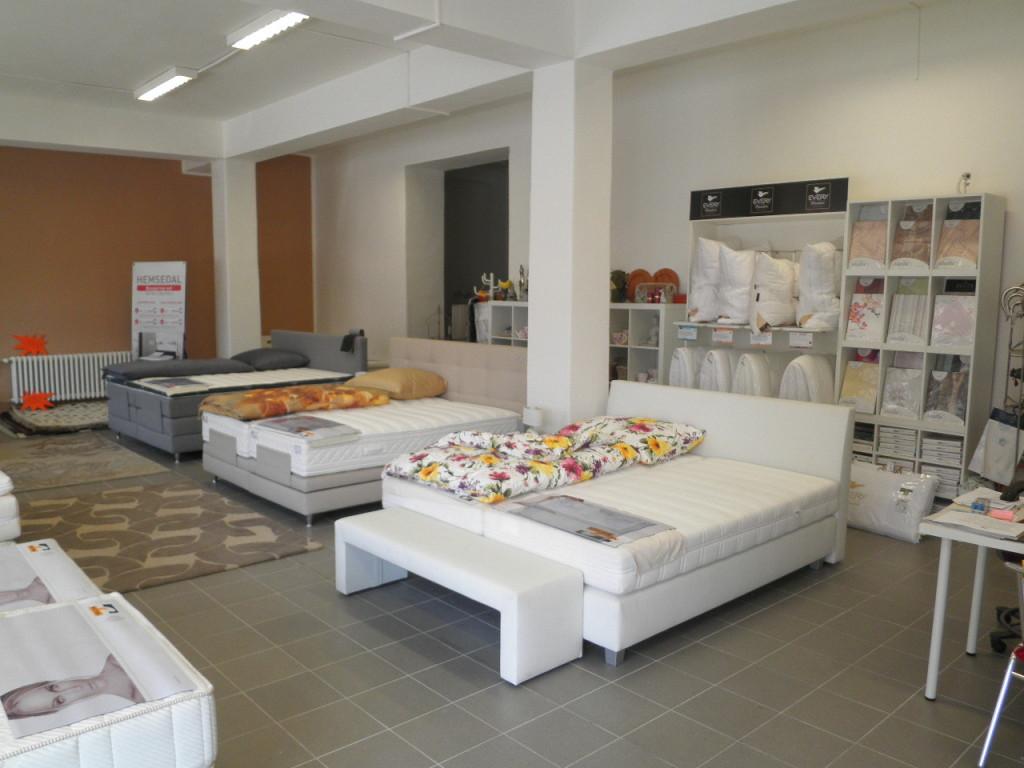 Luxusní postele Velda  - prodejna Praha
